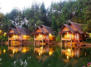 Review Sapu Lidi Cafe Sawah dan Kampung Sampireun Resort and Spa, Hotel Terapung Terbaik di Jawa Barat